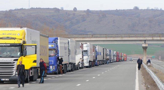 От 14 до 20 часа утре се ограничава движението на камионите над 12 т