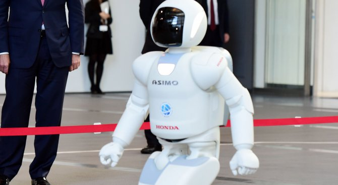 Роботите отнемат 5 млн. работни места до 2020 година