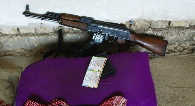 Рияд купува АК в Източна Европа и ги дава на бойци срещу Башар Асад