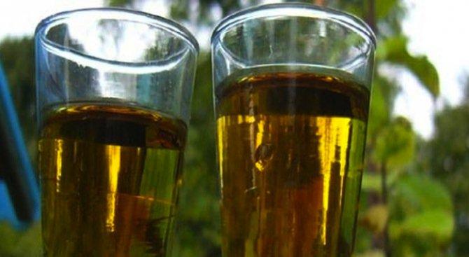 Домашната ракия дава 0,5% от акциза върху алкохола