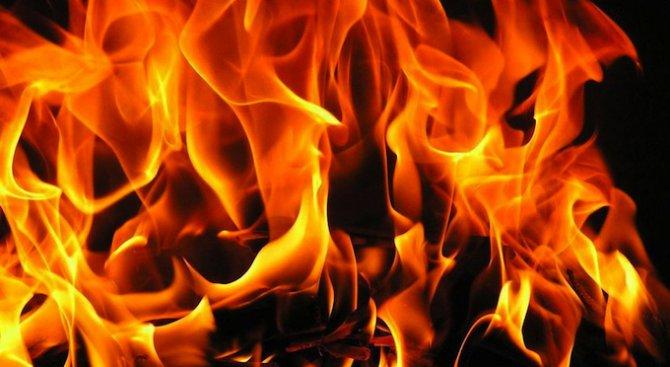Три къщи горяха в ромския квартал на Пазарджик