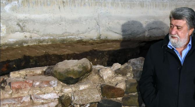 Вежди Рашидов пред египтолога Хауас: България има уникална археология (видео)