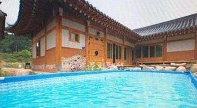 Имотна агенция превърна мини басейн в инфинити с фалшиви снимки