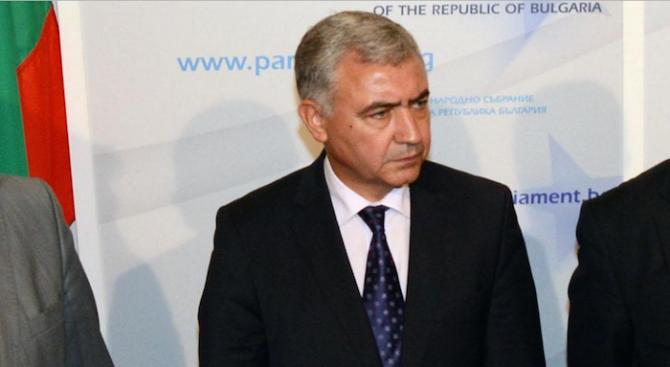 Мерджанов: Спирането на обществените поръчки е поредното проявление на кризисен PR