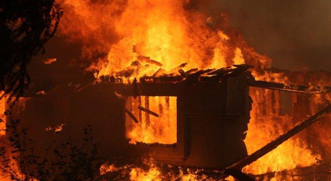 Мъж загина при пожар в Девня