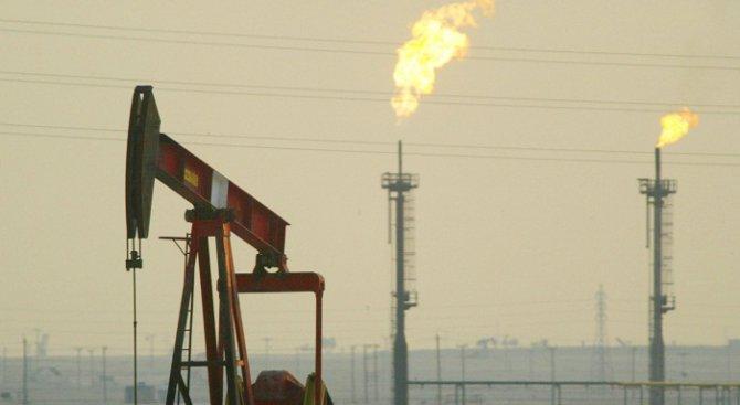 Петролът отново поевтиня в азиатската търговия