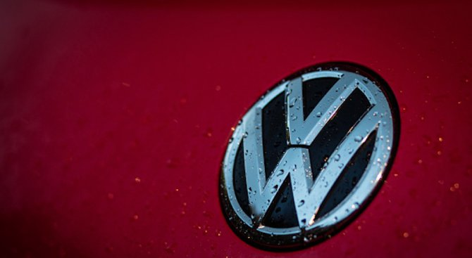 """""""Фолксваген"""" с кампания в медиите, ще обеснява защо изтегля 2,5 милиона автомобила"""