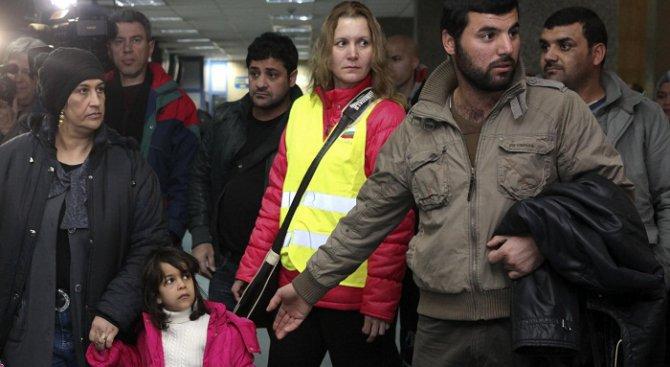 Гранични полицаи задържаха 43-ма чужденци без документи във влак