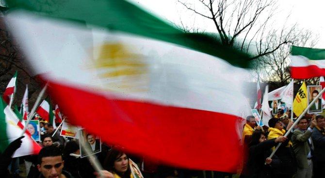 Иран: Няма да прекратим ракетната си програма