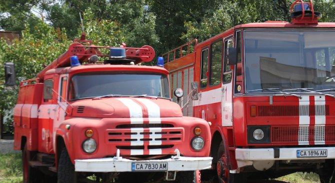 Кола изгоря на пътя Велико Търново - Русе