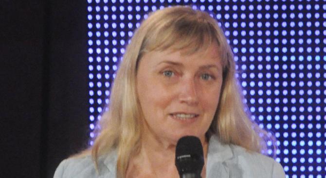 Елена Йончева ражда на 1 април