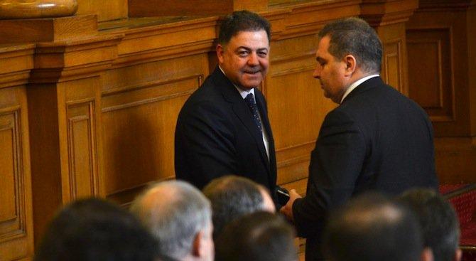 България ще купи 12 изтребители, съобщи министър Николай Ненчев (видео)