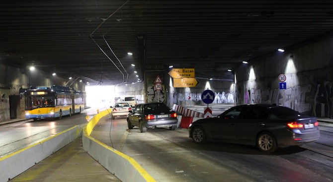 Закриват спирката в тунела на НДК