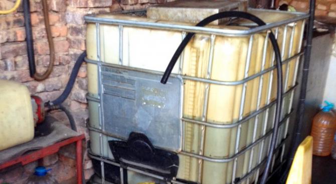 Нелегална бензиностанция откриха в плевенско село