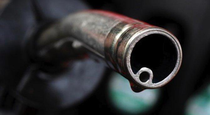 Митничари пресякоха схема за нелегални доставки на горива