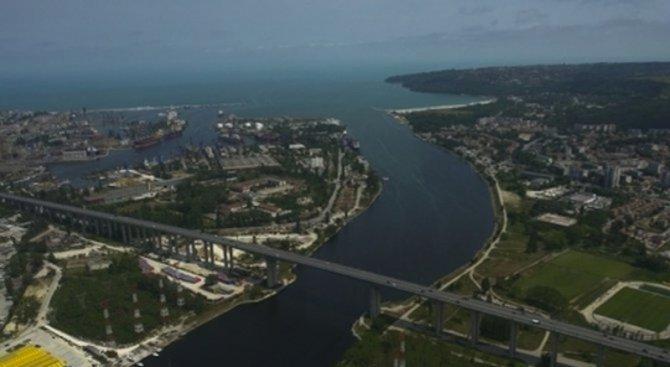 Затварят част от Аспаруховия мост заради ремонт