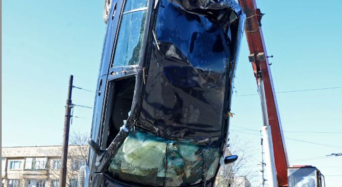 Жена падна с автомобила си в хасковската река