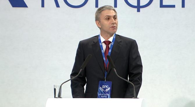 Ахмед Доган се връща на политическата сцена (видео+снимки)