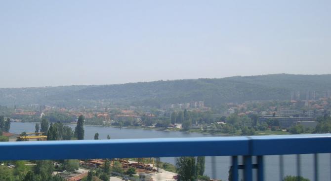 Шофьори искат тоалетна по Аспарухов мост