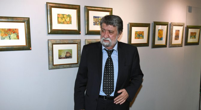 Вежди Рашидов събира средства с изложба за детска онкология (снимки)