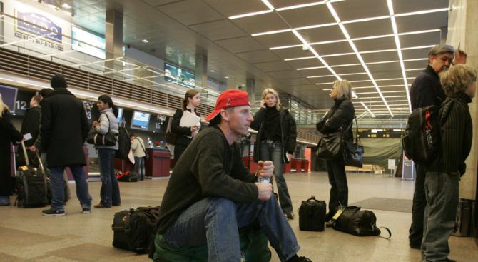 10-годишна побърка летищните власти, качи се на самолет без билет