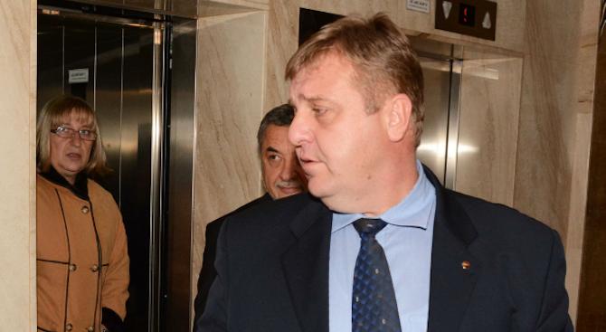 Каракачанов: Гласуването само в дипломатически мисии ще попречи на Турция да се меси в политиката ни