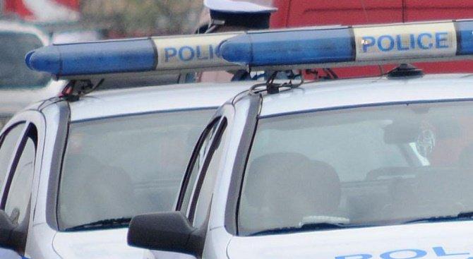 Кола се заби в дърво в Паскалево