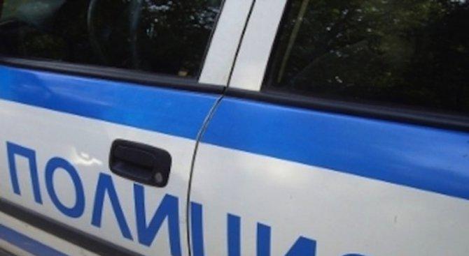 Откриха закачена граната на врата на къща в Костинброд