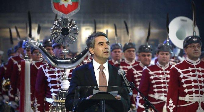 Президентът: Славната ни армия е опора на обществото и символ на българската държавност (снимки)