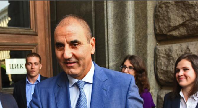 Цветанов коментира оставката на Ивайло Калфин