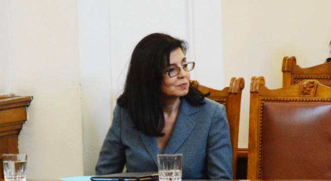 Кунева: Оттеглянето на АБВ може да се окаже стабилизиращ фактор