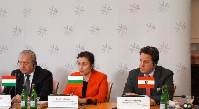Танева: Борисов е безкрайно толерантен към всички