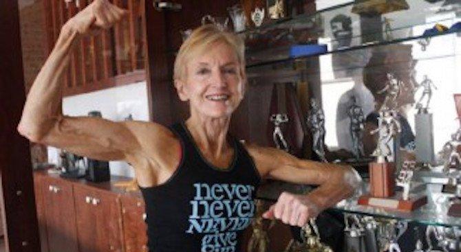 Тя е на 73 години и печели конкурси по културизъм