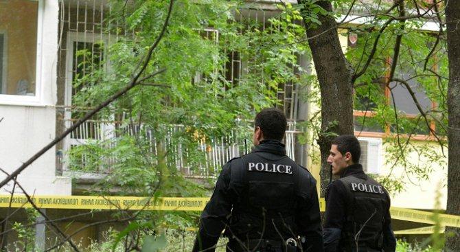 Близначета са паднали от осмия етаж на блок във Варна (обновена+видео+снимки)