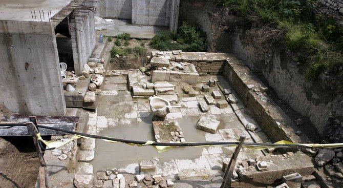 Местят храма на Кибела до морето