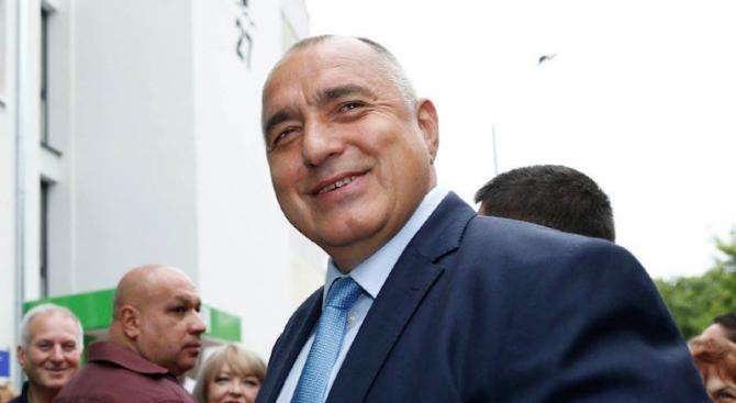 Министерски съвет стана женско царство, доволен Борисов (видео)