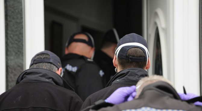 Унищожиха данни за 800 терористи на Острова