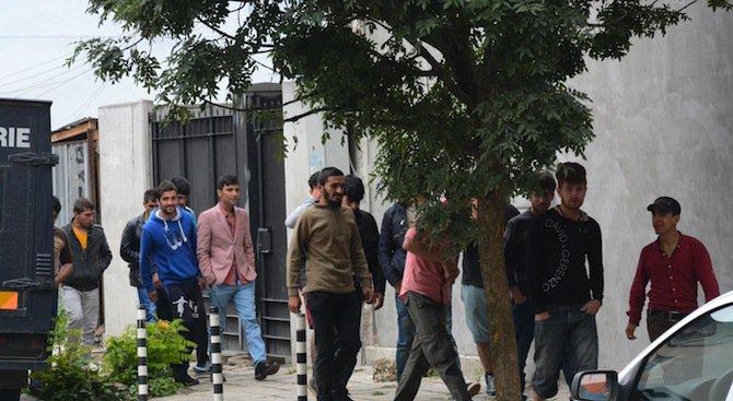 Заловиха 30 бежанци край Поморие