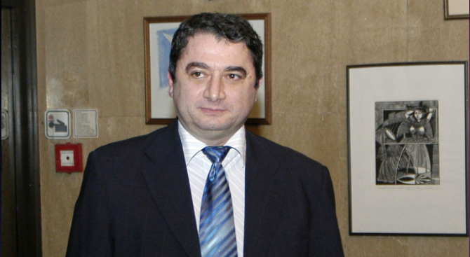 Емануил Йорданов: Промените в Закона за електронните съобщения са глупави