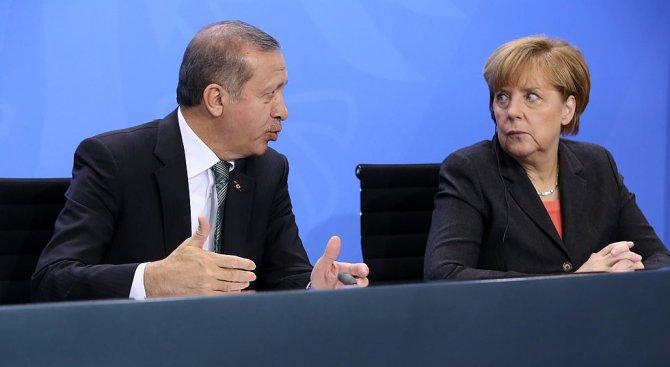 Ердоган предупреди Меркел за признаването на арменския геноцид