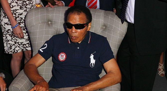 Легендарният боксьор Мохамед Али почина