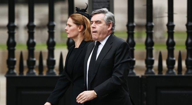 Бивш британски премиер: 2 тревоги се сблъскват на Острова преди референдума за ЕС