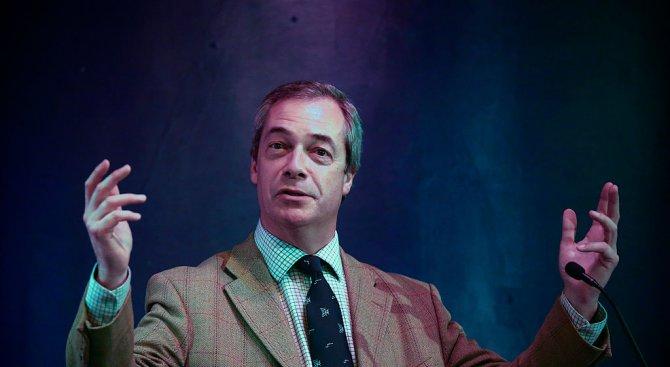 Брекзитът ще е първа стъпка към разпадането на ЕС, надява се Найджъл Фараж