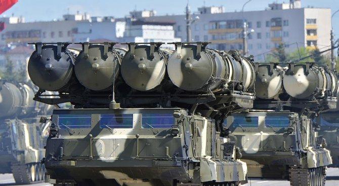 Русия изгражда военна база близо до границата си с Украйна