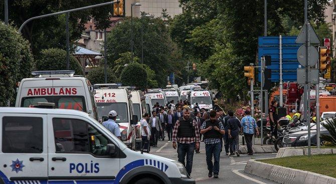 Взрив разтърси Истанбул. 11 жертви (обновена+снимки+видео)