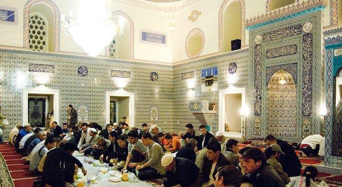 Започва свещеният за мюсюлманите месец Рамазан