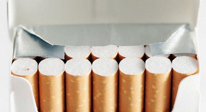 Откриха 34 стека с цигари без бандерол в паркирано БМВ