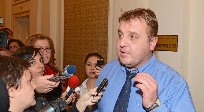 Каракачанов: Наборната служба ще излезе много по-евтино от поддържането на професионална армия
