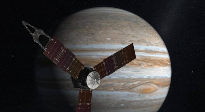 Сондата Джуно навлезе в орбита около Юпитер (снимки+видео)