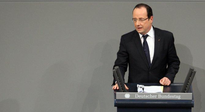 Фризьорът на Франсоа Оланд получава почти 10 000 евро месечно